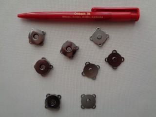 Varrható, mágneses, antikolt csat, 20 mm átmérőjű (2795)