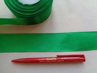 4 cm széles szatén szalag; középzöld (2844-6)