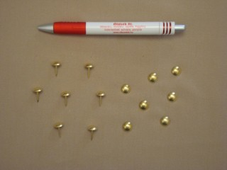 Kárpitos dísz szeg, darabos, arany színben (2851)