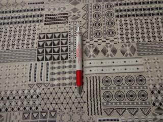 Loneta, geometriai mintás, fekete-fehér, kerti bútor vászon (2586-18)
