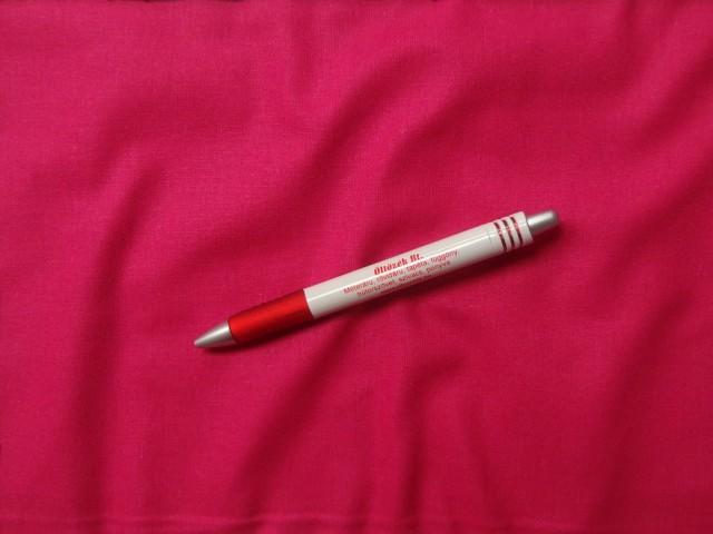 Egyszínű magenta pamut vászon, 1,4 m széles, 140 g/nm vastagságú (3828)