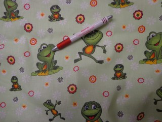 Gyerekmintás vászon, békás, világos zöld alapon (4170)