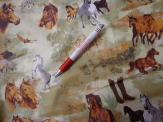 Gyerekmintás vászon, zöld alapon lovas (4178)