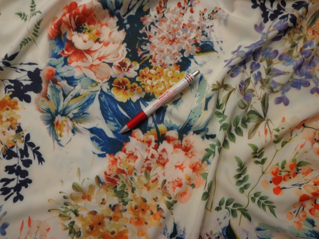 Sztreccs muszlin, színes virágos (4282)