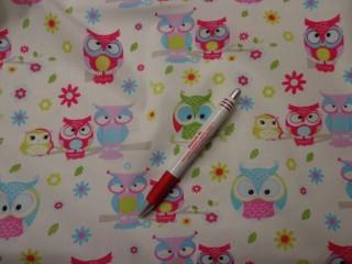 Gyerekmintás karton, fehér alapon zöld-pink baglyos (4347)