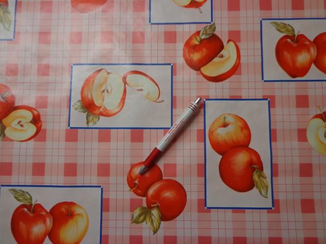 Viaszos vászon, kockás, piros almás (4458)