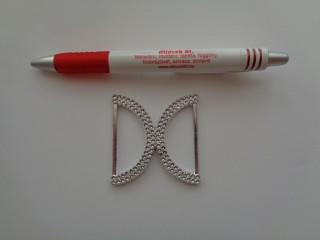 Műanyag csat, ezüst, strasszos (4683)