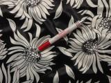 Elasztikus pamut-szaténselyem, fekete-ekrü virágos (5128)