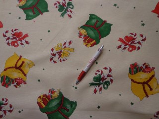 Loneta, karácsonyi vászon, vajszínű alapon színes zsákok (5237)