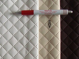 Beige, magában nyomott mintás textilbőr (5466)