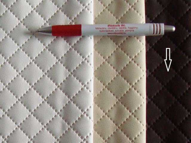 Sötétbarna, magában nyomott mintás textilbőr (5467)