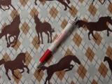 Gyerekmintás vászon, lovas, káró mintás (5473)