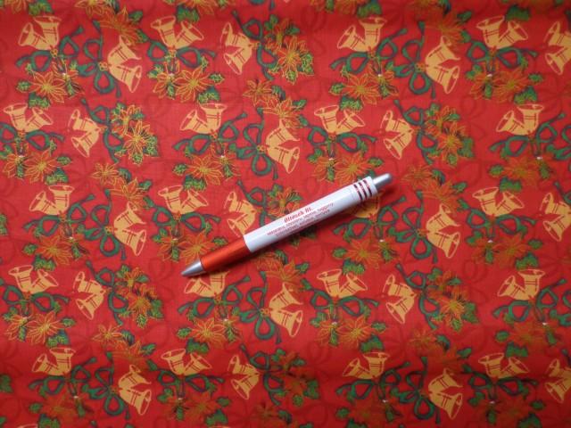 Karácsonyi karton, piros alapon csengettyűs (5840)