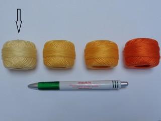 Gyöngy hímzőfonal (perlé), vajsárga (7907-7300)