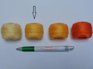 Gyöngy hímzőfonal (perlé), napsárga (7908-7302)