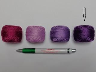 Gyöngy hímzőfonal (perlé), sötét lila (7926-7101)