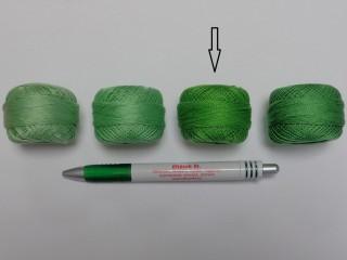Gyöngy hímzőfonal (perlé), közép zöld (7945-7118)