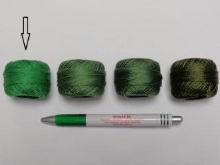 Gyöngy hímzőfonal (perlé), közép zöld (7947-7244)