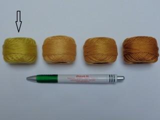Gyöngy hímzőfonal (perlé), mustár (7951-7306)