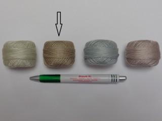 Gyöngy hímzőfonal (perlé), kekis-drapp (7960-7392)