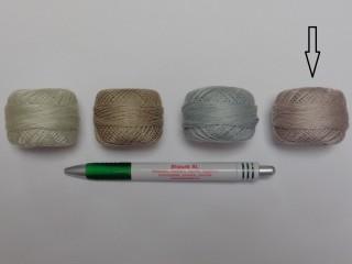 Gyöngy hímzőfonal (perlé), szürkés-drapp (7962-7398)