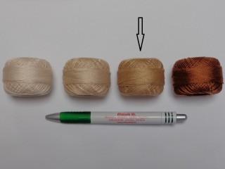 Gyöngy hímzőfonal (perlé), sötét drapp (7966-7368)