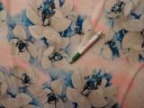 Sztreccs muszlin, kék-rózsaszín virágos (8084)