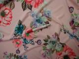 Sztreccs muszlin, rózsaszín alapon nagy virágok (8086)