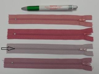 RT0-s, 18 cm hosszú, műanyag, spirál fogú cipzár, fáradt mályva (8571)