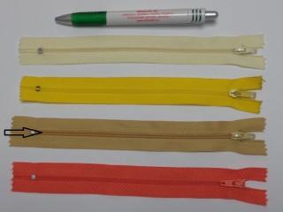 RT0-s, 18 cm hosszú, műanyag, spirál fogú cipzár, mustár (8583)