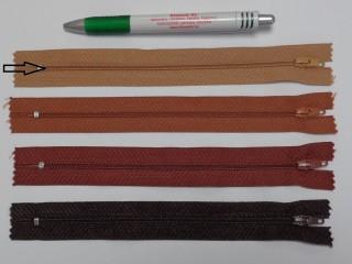 RT0-s, 18 cm hosszú, műanyag, spirál fogú cipzár, teve (8590)