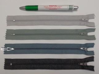 RT0-s, 18 cm hosszú, műanyag, spirál fogú cipzár, kékes szürke (8610)