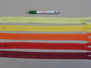 RT-0, 35 cm hosszú, műanyag, spirál fogú cipzár, piros (8622)