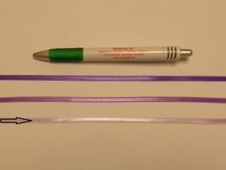 0,5 cm széles világos lila szatén szalag (8716)