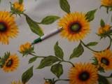Loneta, ekrü alapon sárga napraforgós kerti bútor vászon (8831)