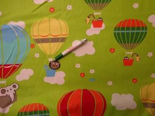 Gyerekmintás pamutvászon, zöld hőlégballonos (8837)