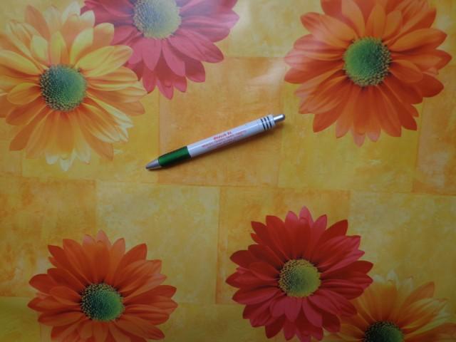Viaszos vászon, sárga alapon nagy virágos (8850)