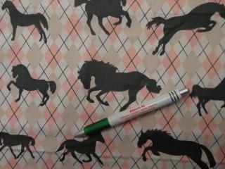 Gyerekmintás pamutvászon, rózsaszín kárómintás, fekete lovas (8855)