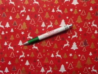 Karácsonyi karton, piros alapon fehér-arany fenyőfás-rénszarvasos (9288)