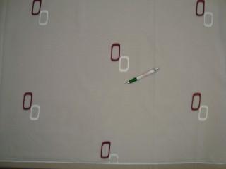 Fehér alapon fehér-bordó ovál mintás voile függöny, 300 cm magas (9302)