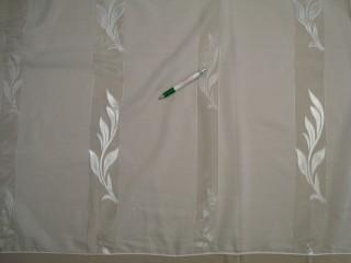 Fehér alapon levél mintás fényáteresztő függöny, 290 cm magas (9314)