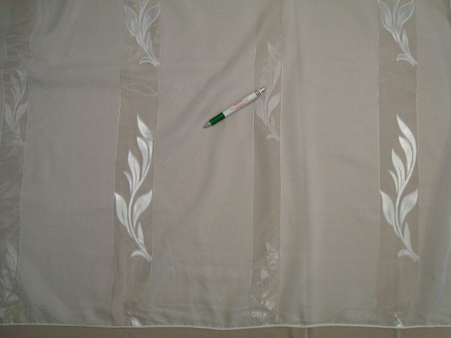 Fényáteresztő függöny nagy választékban a Textilcentertől! bdcfbfa384