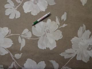 Loneta, drapp alapon, ekrü nagyvirágos, kerti bútor vászon (9684)