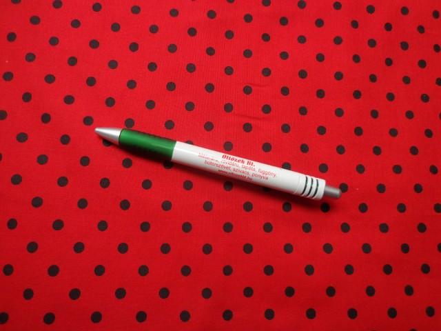 Mintás pamutvászon, piros alapon fekete kicsi pöttyös (9697)