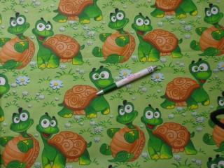 Gyerekmintás pamutvászon, zöld alapon teknősbékás (9826)