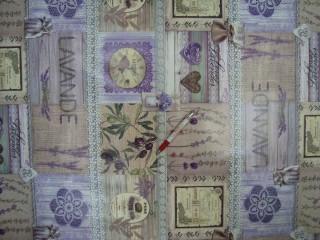 Viaszos vászon, levendulás, feliratos, csipke mintás (10346)