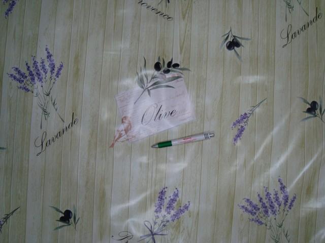 Viaszos vászon, zöld deszka mintás alapon levendulás - olivás  (10408)