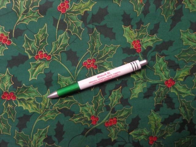 Karácsonyi mintás pamutvászon, zöld alapon magyal mintás (10498)