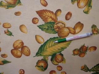 Mintás pamutvászon, vajsárga alapon őszi magvas, leveles (10519)