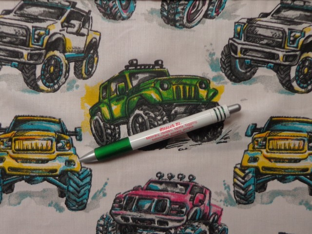Gyerekmintás pamutvászon, fehér alapon Monster autók (10709)